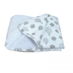 Manta en 100% algodón globos con abrigadora capa de peluche blanco en el reverso